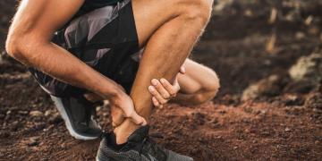 Infiammazione tendine d'Achille: sintomi, cosa fare, rimedi, esercizi e tempi di recupero
