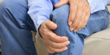 Artrosi al ginocchio o gonartrosi: cosa fare, come curarla, rimedi ed esercizi