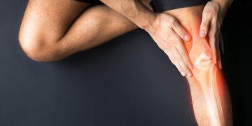 Dolore dietro al ginocchio quando lo stendo