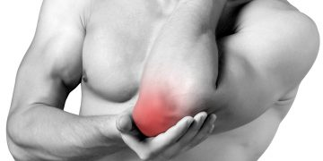 Epitrocleite o gomito del golfista: cause, sintomi, rimedi ed esercizi